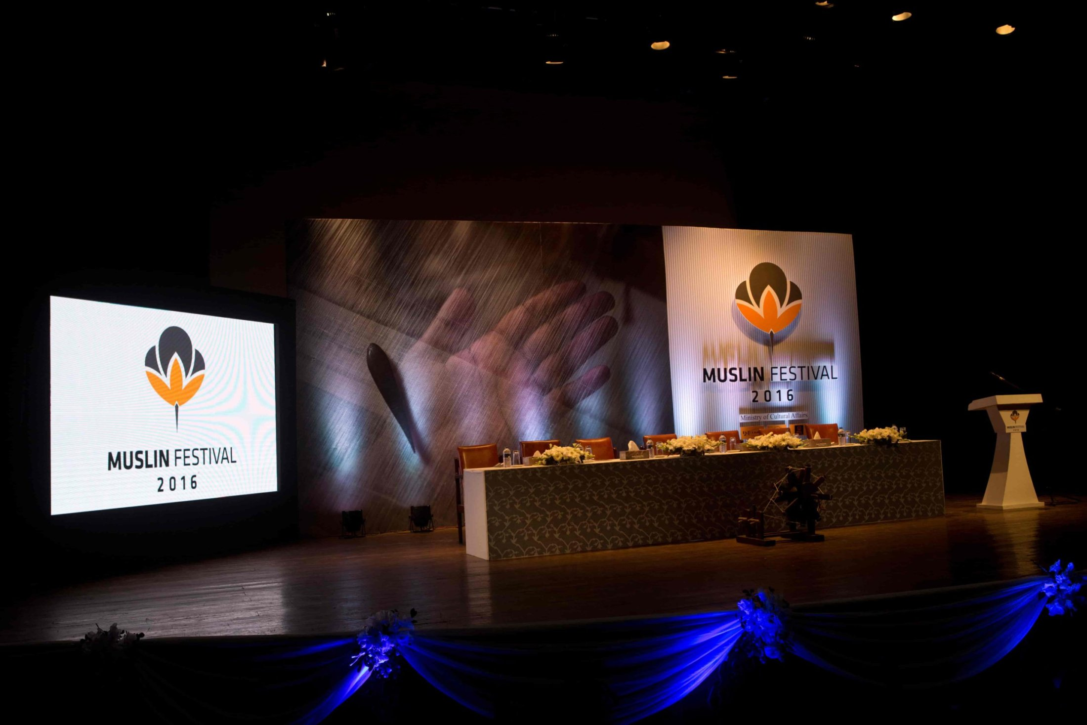 2. The stage is set for the Muslin Festival, 2016-min